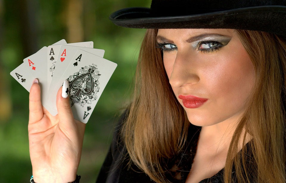 woman-holding-cards